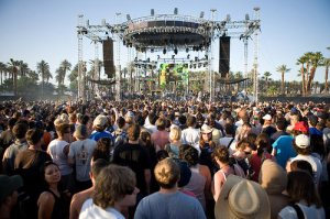 Coachella,- Stagecoach - Music Festival fans