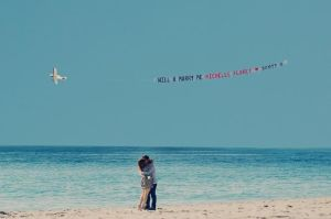 proposal_on_ the_ beach